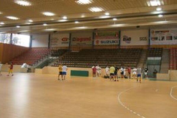 Vynovená Mestská športová hala. V pondelok v nej HC winLand prvýkrát trénoval.