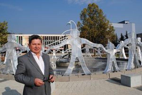 Andrej Smolák. Výtvarník zo Stariny tvorí v Snine aj v Bratislave. Festival je jeho srdcovou záležitosťou.