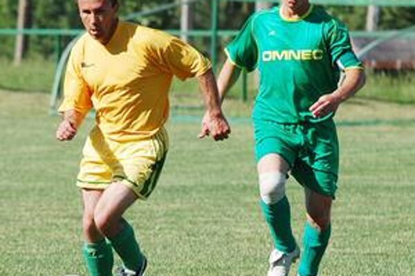 Namočili sa. Futbalisti Veľkých Kapušian si domácou prehrou s rezervou Moldavy nad Bodvou zbytočne skomplikovali situáciu.