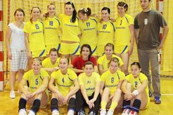 Víťazky. Hádzanárky GPH Michalovce si vybojovali celkové prvenstvo.