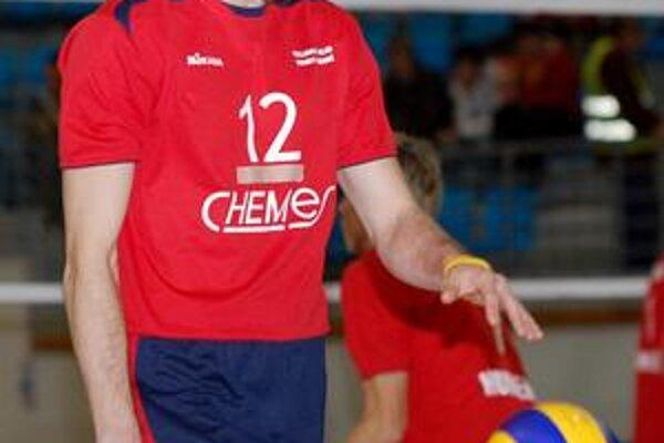 Roman Ondrušek. Kapitán chemesákov opäť v reprezentácii.