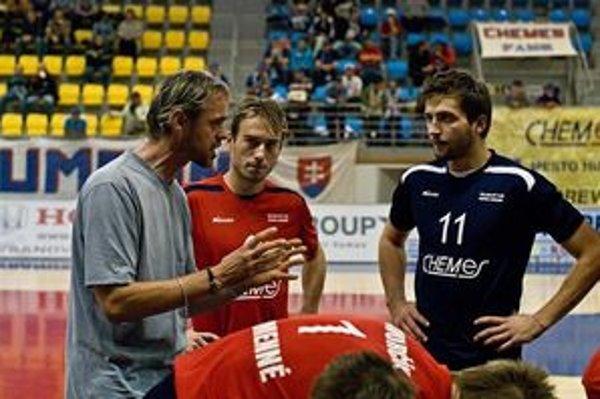 Podľa nášho výberu sa stal najúspešnejšou športovou osobnosťou Zemplína v roku 2009 tréner volejbalistov Chemesu Humenné Richard Vlkolinský.