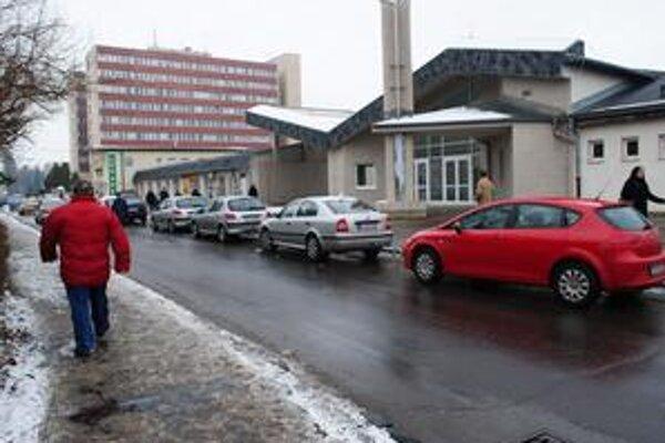 Nemocnica A. Leňa. Verejnosť od konca minulého roku sleduje, či spoločnosť, ktorá po J&T nemocnicu prevádzkuje, nechystá nejaké zmeny.