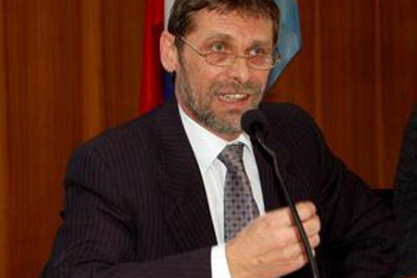 Ľubomír Cibere. Vykričal kolegom, že nemajú odvahu prijať zásadné rozhodnutie.