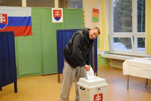 Voľby nie sú ľahostajné ani Slovákom vzahraničí. Na Spiši stúpol počet ľudí, ktorí chcú voliť spoza hraníc.