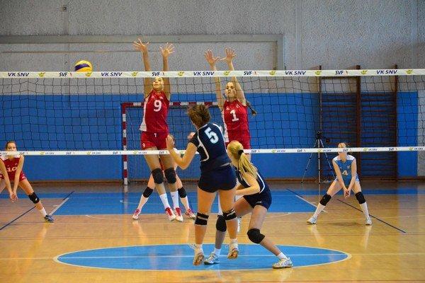 Prehra. S lídrom súťaže Spišiačky prehrali oba zápasy.