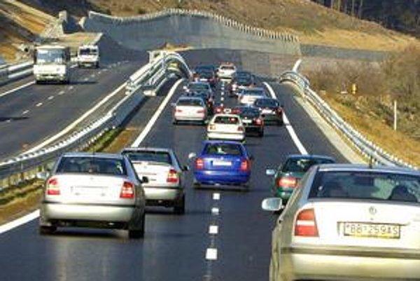Zmluva na výstavbu rýchlostnej cesty medzi Nitrou a Tekovskými Nemcami je podpísaná. Poznáme návrh. Aká je však konečná verzia?
