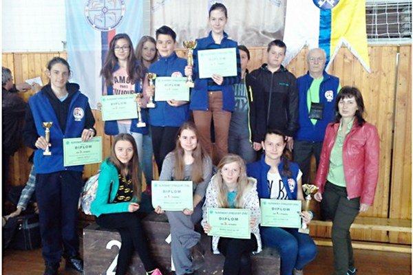Bohatá medailová zbierka. Mladí strelci zo Spiša dosiahli na slovenskom šampionáte výborné úspechy.