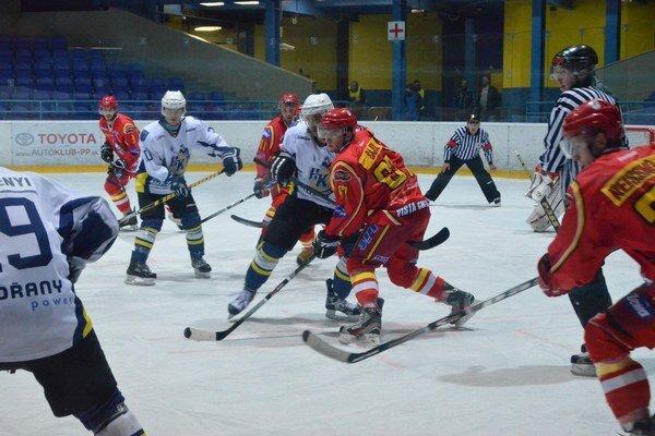 Po dvoch víťazstvách doma. Spišiaci začali nový hokejový rok zápasmi vonku. Po dvoch víťazstvách v Detve a Prievidzi sa konečne predstavia na svojom ľade.