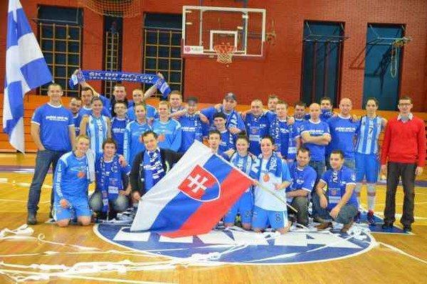 Ani prehra neubrala na výbornej nálade Spišiakov. Spišiačky v Záhrebe prehrali 49:73, ale po zápase bola vzájomná ďakovačka a fotenie s fanklubom, ktorý vytvoril hráčkam domáce prostredie.