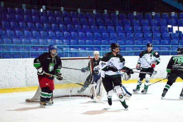 Amatéri finišujú. Amatérská hokejová liga bude ešte v posledných kolách zaujímavá.