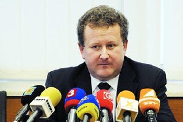 Jozef Holjenčík, ktorý šéfuje regulačnému úradu, chce ceny, ktoré je zákazník schopný uniesť.
