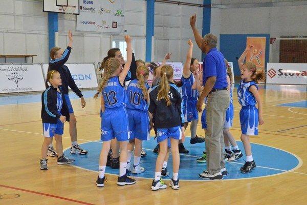 Radosť z basketbalu a neustále sa zlepšovať – to je hlavné motto trénera Spišiačok Antonia Da Cruza.