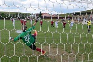 Historický prvý gól. Jozef Stümpel takto premenil pokutový kop.
