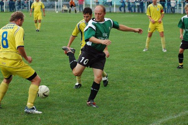Pán hráč. Jozef Lesnický (uprostred) je hrajúcou legendou spišského regiónu.