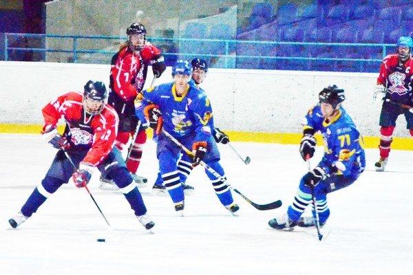 Dvaja ešte nezvíťazili. V hokejovej mestskej lige dva kluby Tigri a Color auto team čakajú na prvé víťazstvo v tejto sezóne.