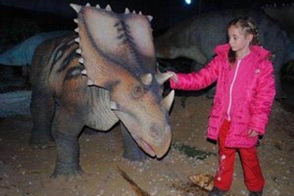 Výstava dinosaurov je nezabudnuteľným zážitkom najmä pre deti.