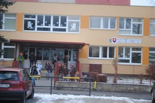 Základná škola Nejedlého. Je jednou z opravených škôl s použitím eurofondov.