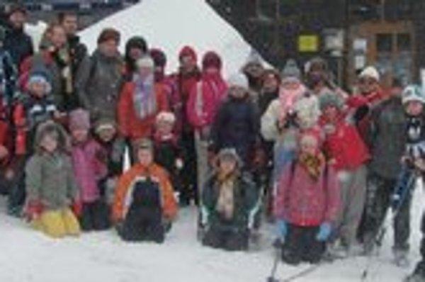 Výlet detí z CVČ. Jedna z aktivít CVČ v Klčove – výlet do hôr.