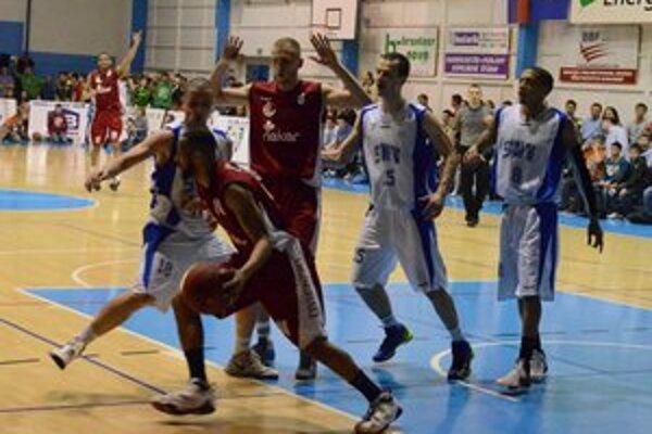 Štvrtý zápas. Semifinále s Komárnom dnes na Spiši pokračuje štvrtým dejstvom.