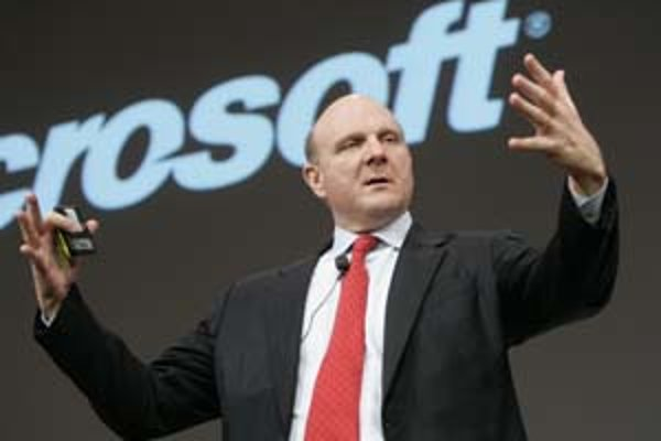 Yahoo stále odmieta ponuku Microsoftu. Lehota, ktorú firma mala na odsúhlasenie svojho predaja, uplynula a softvérový gigant môže začať oslovovať so svojou ponukou priamo akcionárov. Na snímke šéf Microsoftu Steve Ballmer.