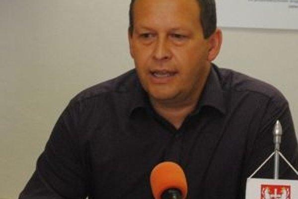 Miroslav Vilkovský sa vráti na post primátora.
