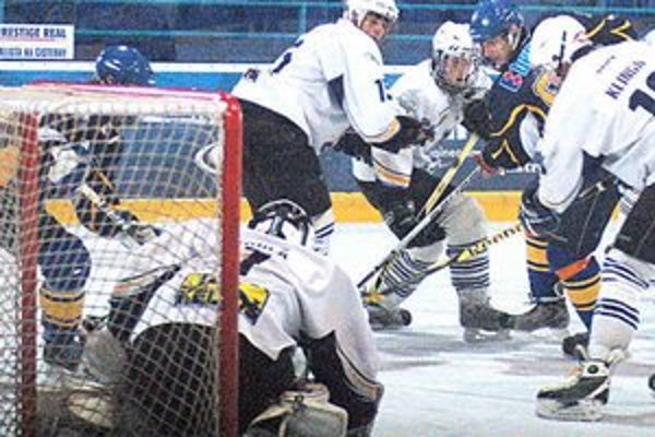 Opora v bráne. Denis je prísľubom pre spišskonovoveský hokej.