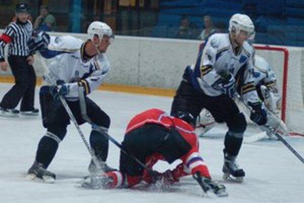 Späť na ľade. Pavol Gurčík (vľavo) sa vrátil k hokeju.