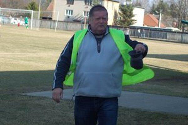 Vlašanov bolo málo. Predseda klubu Vladimír Baloga musel zvoliť nepopulárne riešenie - pokles hráčov pod sedem.