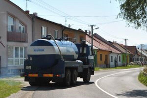Cisterny vidieť v uliciach mesta čoraz častejšie.
