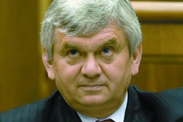 Minister hospodárstva Ľubomír Jahnátek priznal, že pri predaji SPP nebol porušený Obchodný zákonník.