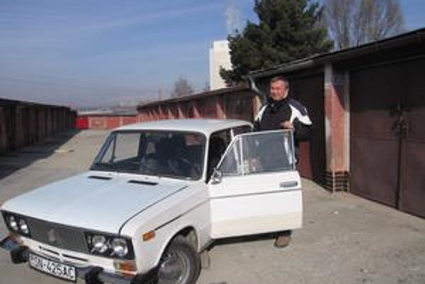 Vlastní garáž. Peter Dirga patrí ku šťastlivcom, ktorí vlastnia garáž.