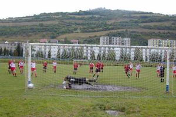V čase finančnej krízy je na tom gelnický futbal ekonomicky veľmi zle.