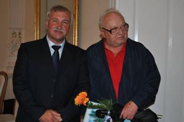 Náčelníci. Vľavo M. Komara, vpravo E. Oswald.