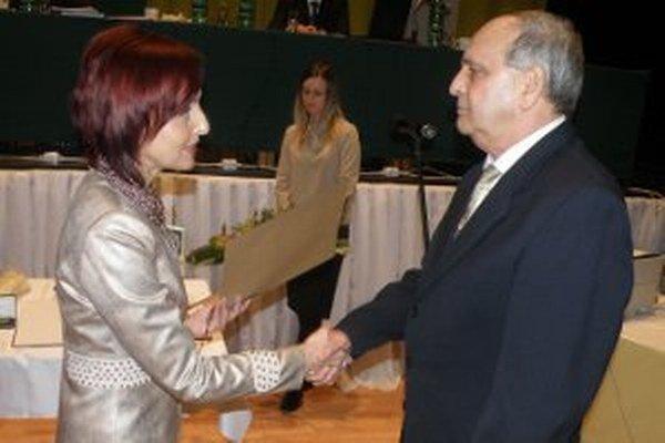 Ivanovi Lančaričovu odovzdala cenu mesta Katarína Macháčková.