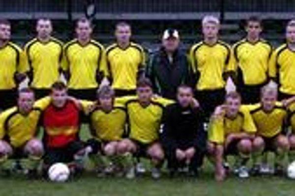 Prví. Víťazom súťažného ročníka 2008/2009 v I. triede SOFZ sa stalo mužstvo Kluknavy.