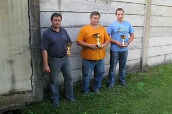 Víťazi: Zľava P. Zborovjan, P. Mlynarčik a L. Daniel.