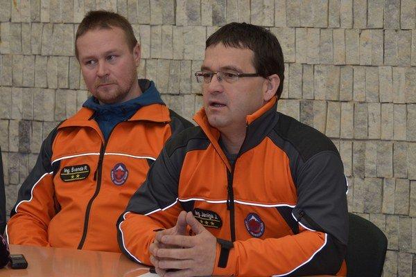 Riaditeľ Horskej záchrannej služby Jozef Janiga (vpravo).