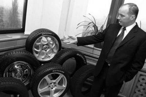 Aj keď bude väčšina púchovského závodu na výrobu pneumatík pre osobné vozidlá Continentalu, značka Matador sa zachová. Na snímke je prezident Matadoru Štefan Rosina.