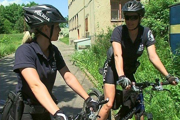 Popradskí mestskí policajti zatiaľ jazdia na bicykloch, možno im pribudnú aj trojkolky.