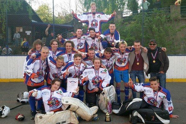MhbK Lords Ball Svit. Víťazný tím Slovenského pohára vhokejbale kategórie U16.