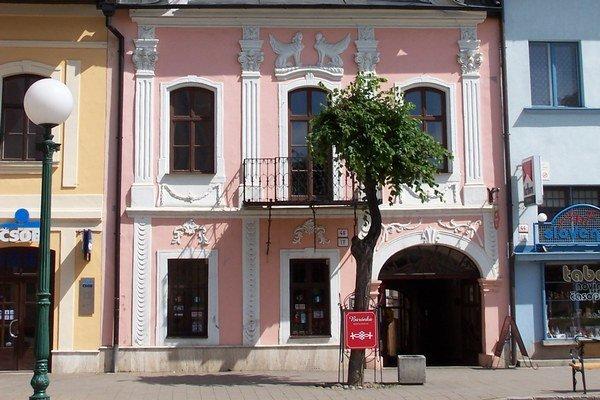 Dom rodiny Badányi. Bol zakliaty pre lásku.