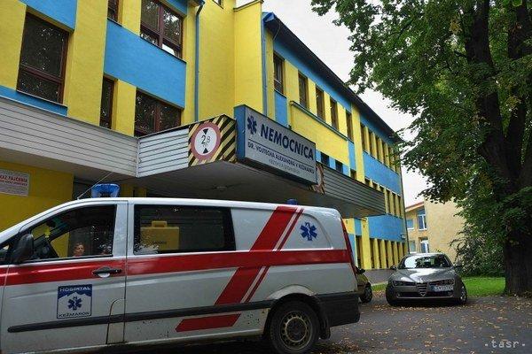 Kežmarská nemocnica. Podarilo sa ju zachrániť.