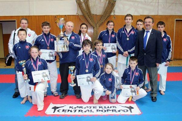 CKK Poprad. V Česku vybojoval 12 medailí.