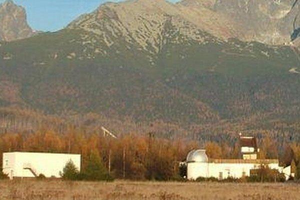 Astronomický ústav Slovenskej akadémie vied na Starolesnianskych lúkach pri Tatranskej Lomnici.