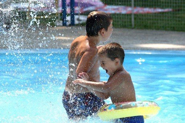 Kežmarčania budú mať kúpalisko. Už o rok sa aj oni budú môcť čľapkať v bazéne.