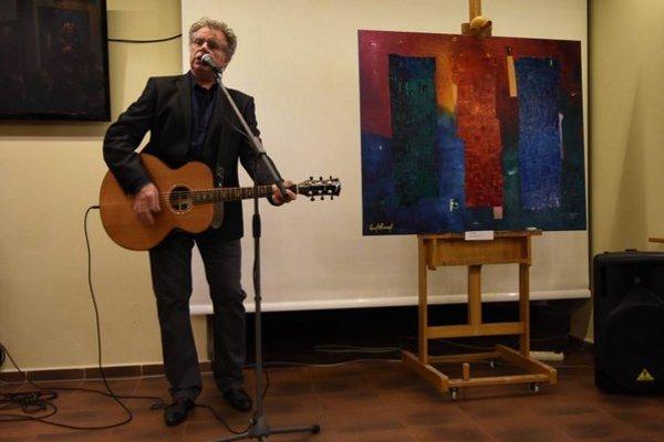Na snímke Pavol Hammel počas vernisáže svojej výstavy obrazov s názvom Nech sa páči v Tatranskej galérii v Poprade.