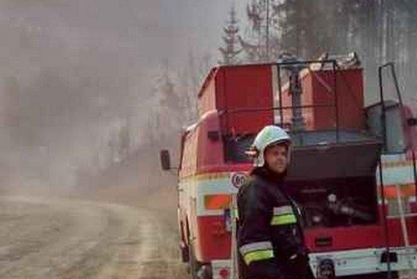 Les pustošilo pri Kolačkove i Ihľanoch.