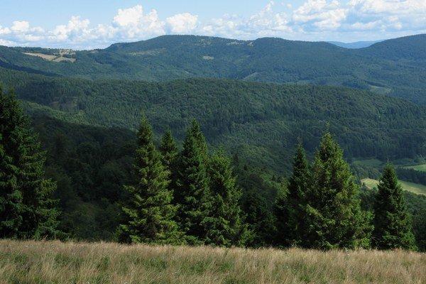 Prevažná časť bývalého vojenského obvodu Javorina leží na území Levočských vrchov.