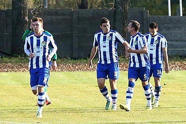 Horné Saliby vyhrali na záver jesene štyri zápasy vrade bez inkasovaného gólu.